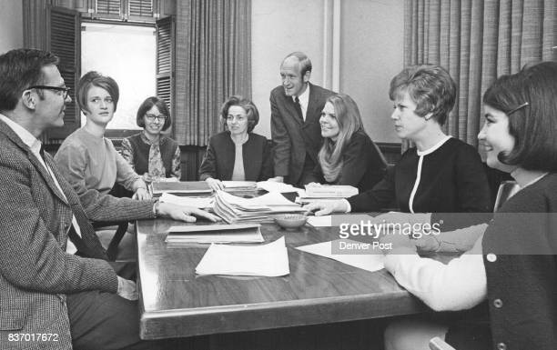 Discussing a Loretto problem are dean's panel members from left Joseph Sprug Shellie Owens Joanne Klebba Sister Maureen McCormack Arthur Grady...