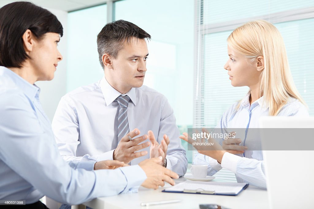 Discussion : Stockfoto