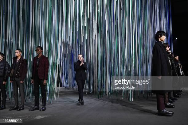 Disegner Alessandro Sartori walks the runway at the Ermenegildo Zegna fashion show on January 10, 2020 in Milan, Italy.