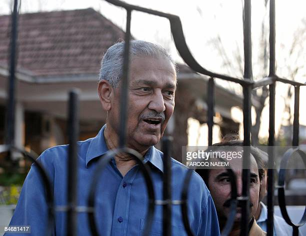 Disgraced Pakistani nuclear scientist Abdul Qadeer Khan talks with supporters inside his house compounds in Islamabad on February 7 2009 Pakistan...