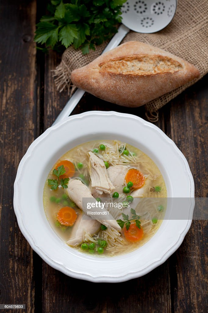 Dish of chicken soup : Stock Photo