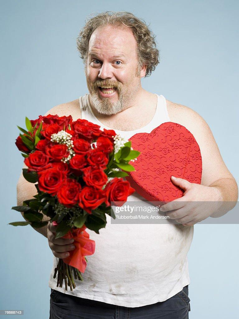 Смешные картинки парень дарит цветы, белыми