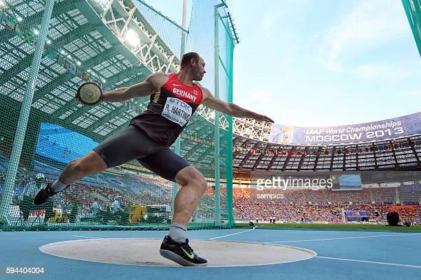 Diskus Weltmeister GER Robert Harting beim Wurf im Ring world Champion discus throw Leichtathletik WM Weltmeisterschaft Moskau 2013 IAAF World...