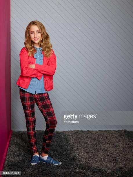 MAX Disney Channel's Sydney to the Max stars Ava Kolker as Olive