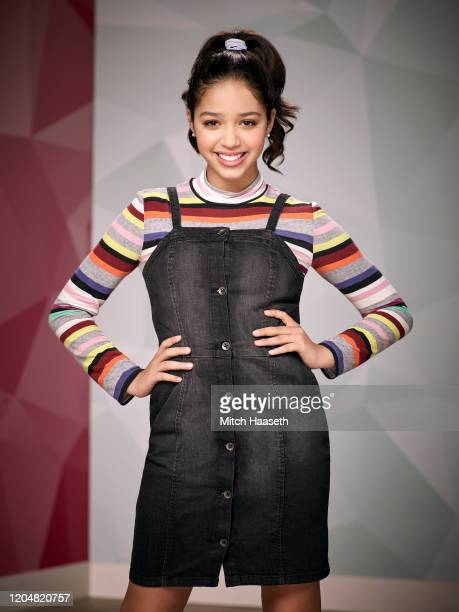 MAX Disney Channel's Sydney to the Max stars Ruth Righi as Sydney Reynolds