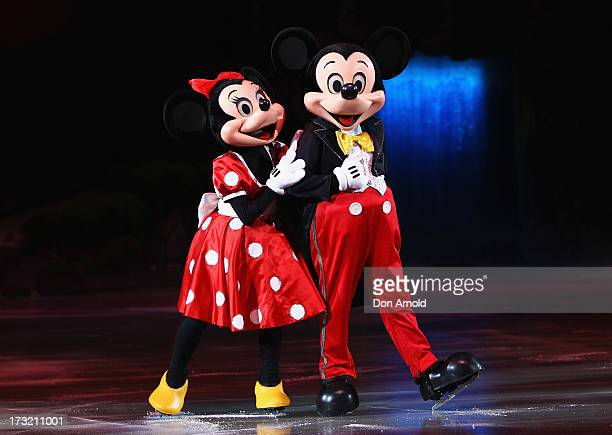 disney on ice opening show vip party 画像と写真 getty images