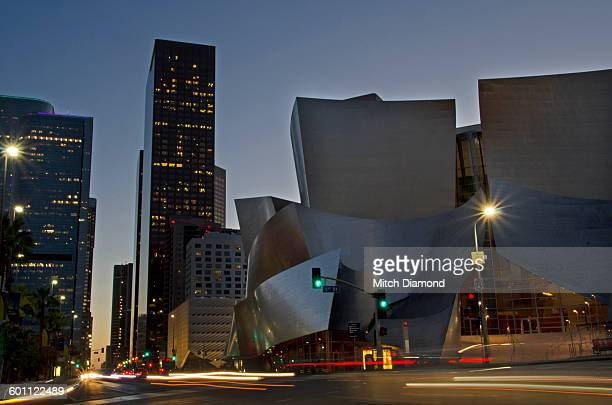 disney concert hall  in downtown los angeles - walt disney concert hall stock pictures, royalty-free photos & images