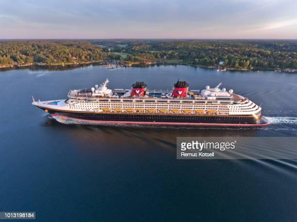Disney Magic Cruiser Ship i svenska skärgården