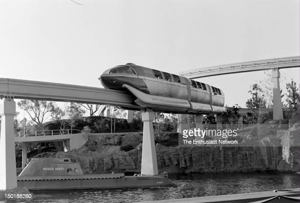 DisneylandAlweg Monorail System