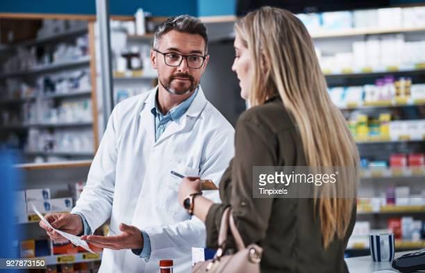 Abgabe von Medikamenten und Beratung