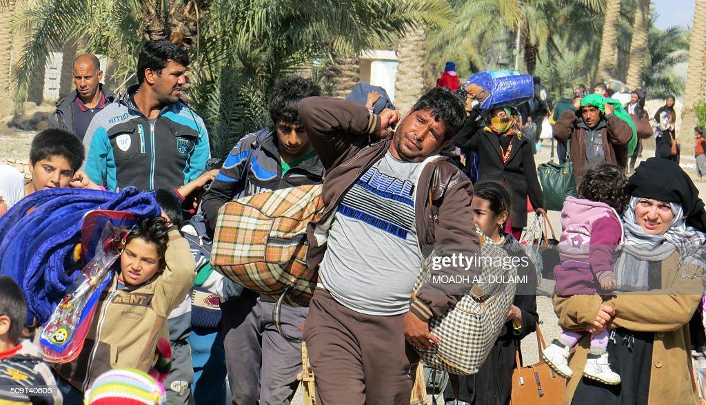 TOPSHOT-IRAQ-CONFLICT-RAMADI : News Photo