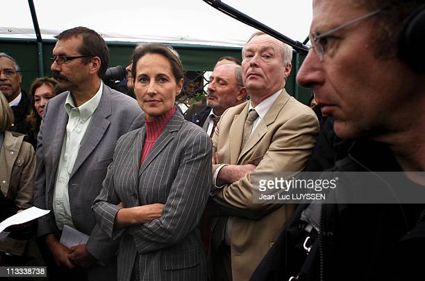 Displacement Of Segolene Royal In Bondy On Seine Sain Denis On May 31St 2006 In Bondy France Here Inauguration Of The Hous Of Parents Elisabeth...
