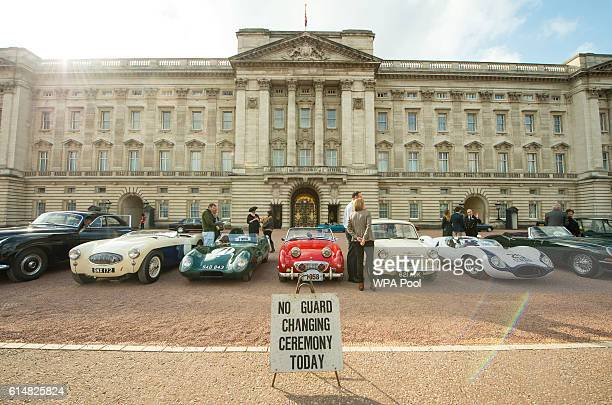 A display of 90 historic Britishbuilt motor vehicles sit on the forecourt of Buckingham Palace to commemorate The Queen's 90th birthday on October 15...