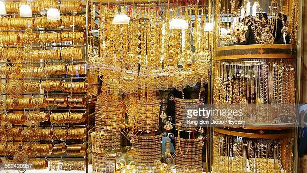 display of jewelry - jewelry store stock pictures, royalty-free photos & images