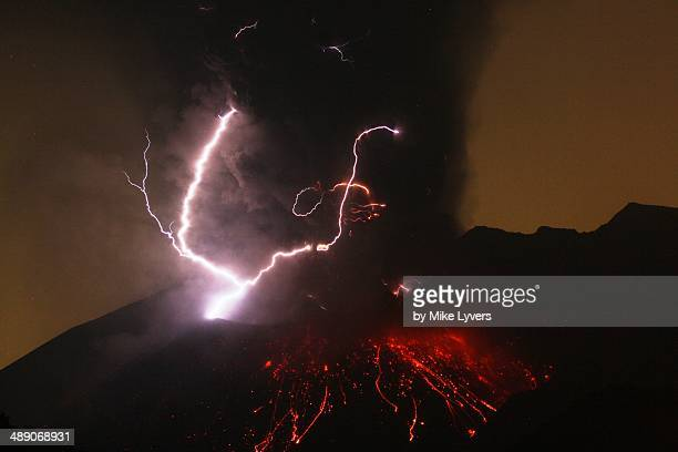 Display of volcanic lightning