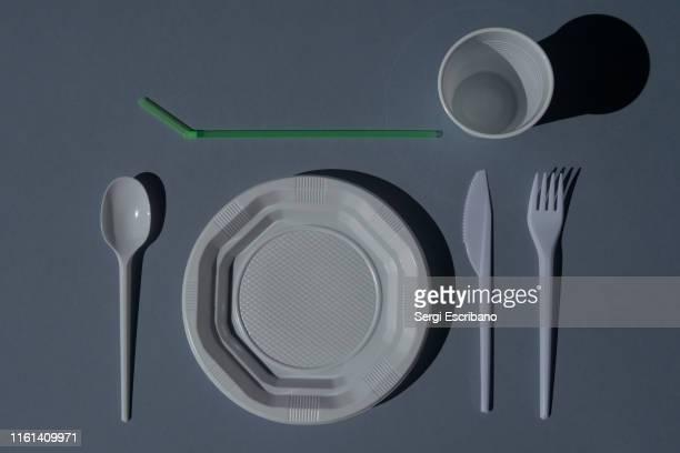disposable plastic cutlery - 使い捨て製品 ストックフォトと画像