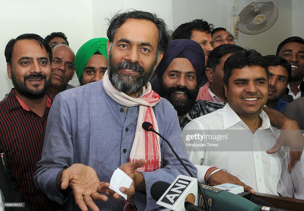 Dissident AAP leader Yogendra Yadav interacting with party workers to apprise them about the truth about behind the rift in the party during the...