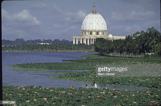Distant view of St Peter'slike Basilica of Our Lady of Peace pet project of Pres Felix HouphouetBoigny convert to Roman Catholicism