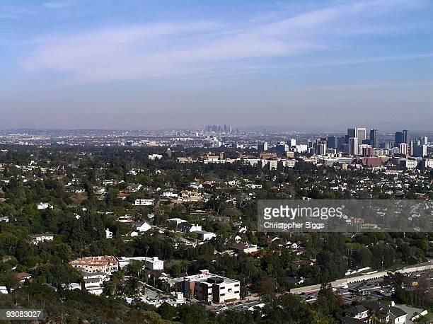 distant view over the suburbs of los angeles - universidade da califórnia los angeles imagens e fotografias de stock