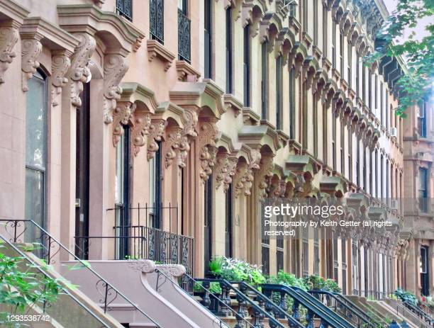 distinctive brownstone residential architecture - fort greene, brooklyn, nyc - れんが造りの家 ストックフォトと画像