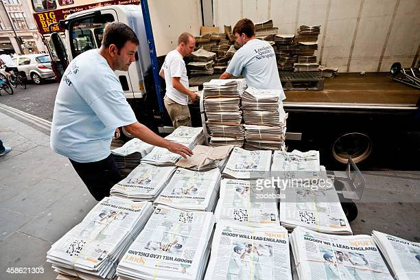 distributing the evening standard in london - editorial stock pictures, royalty-free photos & images
