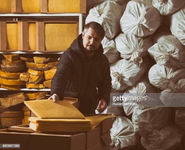 中小企業の物流倉庫。
