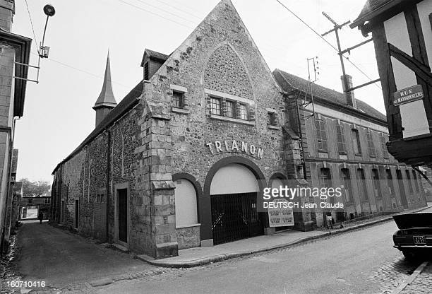 Disused Churches VerneuilsurAvre 16 septembre 1973 L'église SaintLaurent transformée en cinémathéâtre 'Le Trianon'