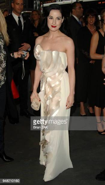 Dita Von Teese arrives at the 2006 CFDA Awards held at the New York Public Library New York City BRIAN ZAK