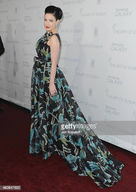 Dita Von Teese arrives at The Art Of Elysium 8th Annual Heaven Gala at Hangar 8 on January 10, 2015 in Santa Monica, California.