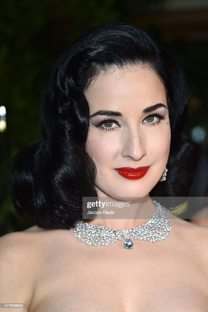 Dita Von Teese attends Pasquale Bruni - Giardini Segreti Cocktail Party at on June 18, 2015 in Milan, Italy.
