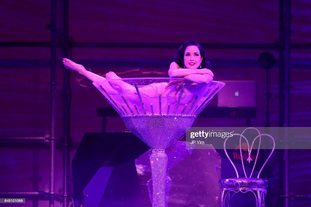 7db021471f8 Philipp Plein - Runway - September 2017 - New York Fashion Week  The Shows