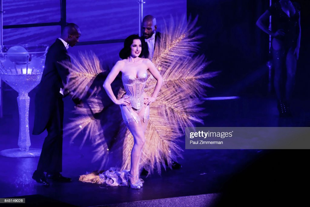 a90ceb7a036 Philipp Plein - Front Row   Backstage - September 2017 - New York Fashion  Week