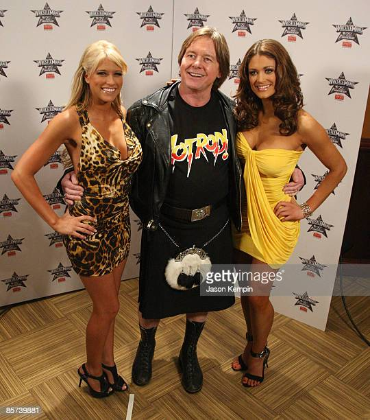 Diva Kelly Kelly Rowdy Roddy Piper and WWE Diva Eve attend the WrestleMania 25th anniversary press conference at the Hard Rock Caf� on March 31 2009...