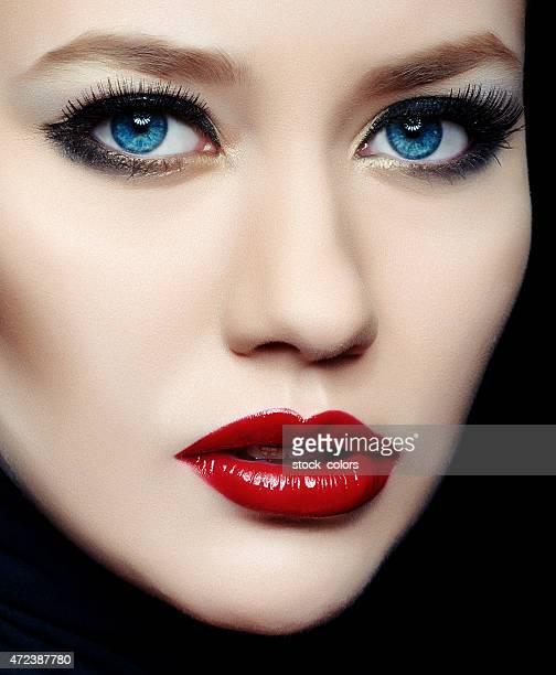 diva avec des lèvres rouges