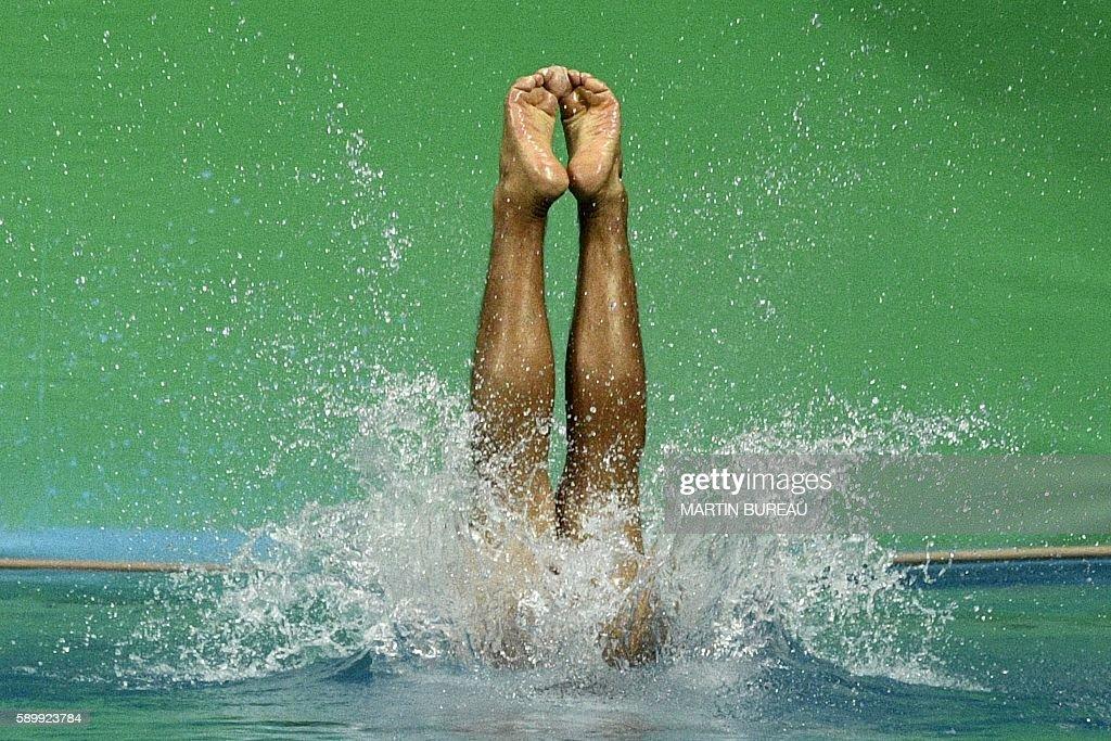 Fotos e imagens de diving olympics: day 10 getty images