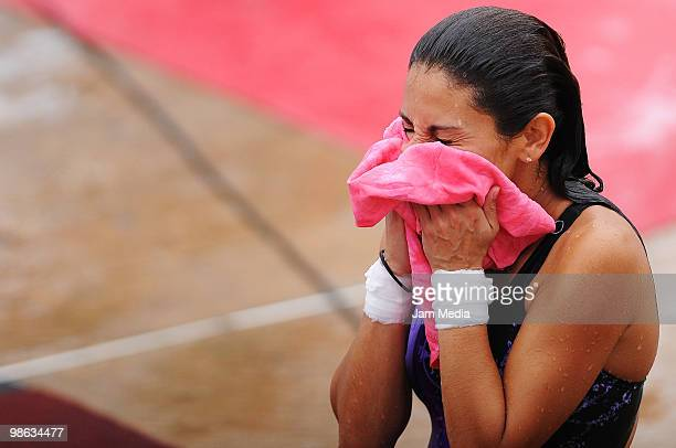 Diver Paola Espinosa of Mexico dries herself during the FINA Diving World Series 2010 at Leyes de Reforma pool on April 20 2010 in Veracruz Mexico