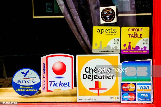 Carte Bleu Ticket Restaurant.30 Carte Bancaire Pictures Photos Images Getty Images