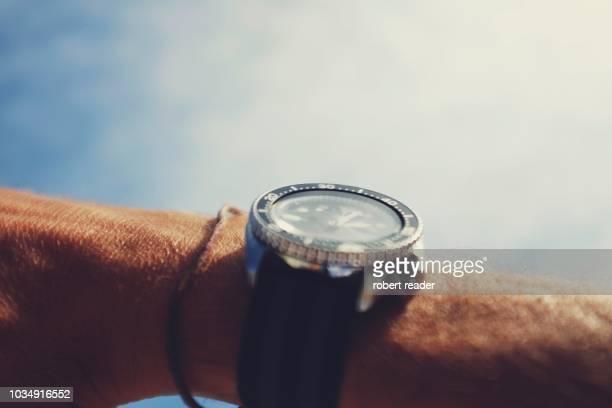 divers vintage wristwatch - underwater diving ストックフォトと画像
