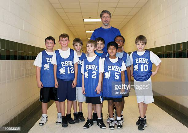 diverse boys basketball team, portrait - basketball team stock pictures, royalty-free photos & images