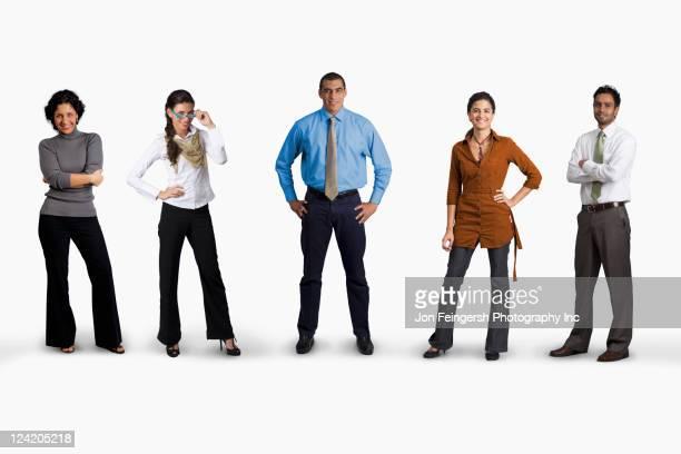 diverse business people standing together - diverse women - fotografias e filmes do acervo
