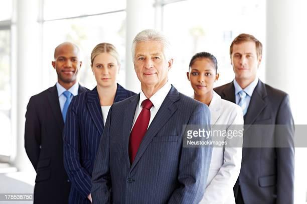 多様なビジネスチーム - 集合写真 ストックフォトと画像