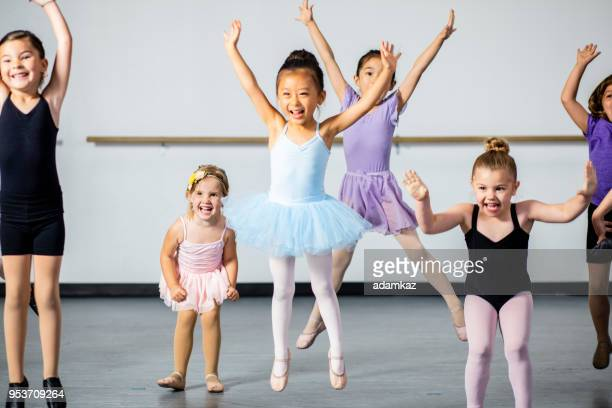 diverse young students in dance class - dance studio stock pictures, royalty-free photos & images
