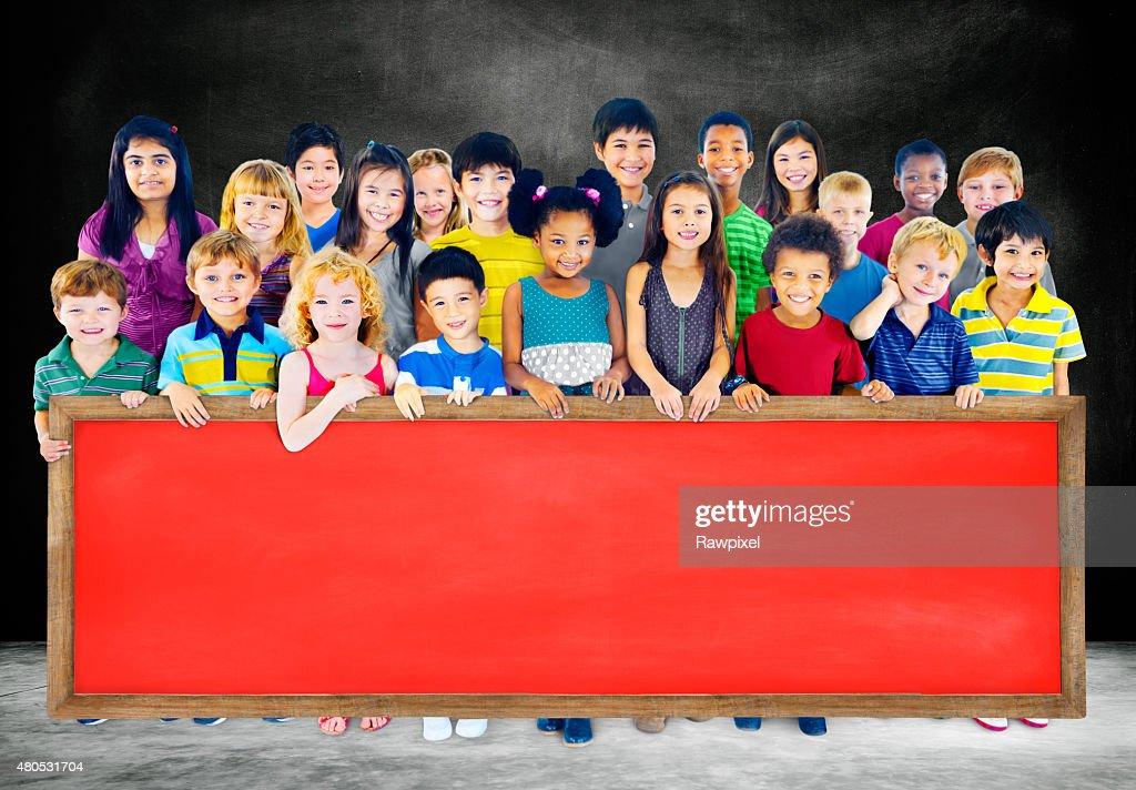 Vielfalt Freundschaft Gruppe von Kindern Bildung Tafel-Konzept : Stock-Foto