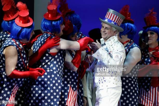 Divertissementchen 'Janz schön jeheim Gastspiel der Cäcilia Wolkenburg 2016 Großalarm im Weißen Haus in Washington Jeff Humphry der Chef der NSA...