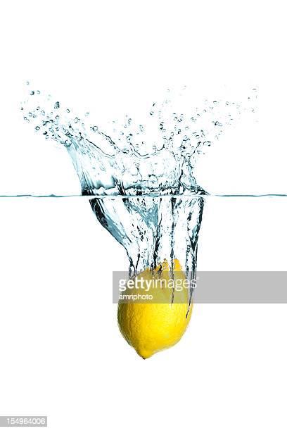 ダイビングレモン - 酸っぱい ストックフォトと画像
