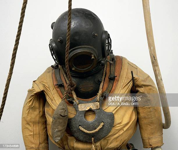 Diving suit 20th century Milan Civico Museo Navale Didattico