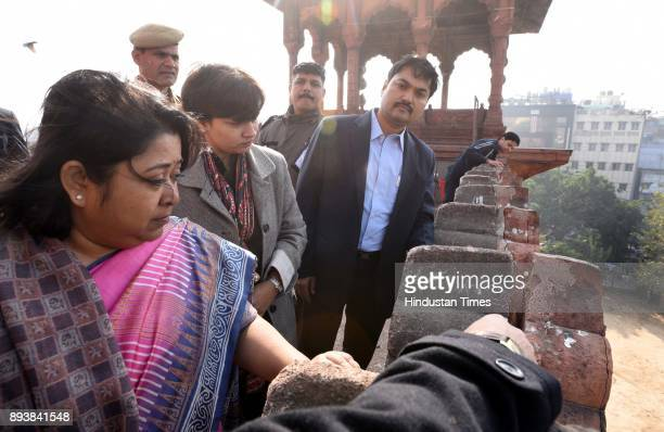 Divisional Commissioner Manisha Saxena and Nidhi Srivastava IAS DM with other officials visited Jama Masjid for inspection of damage of the Monument...