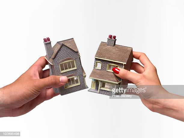 divorce house settlement - image stock pictures, royalty-free photos & images