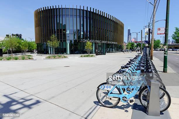 Divvy Fahrräder vor Chicago Public Library