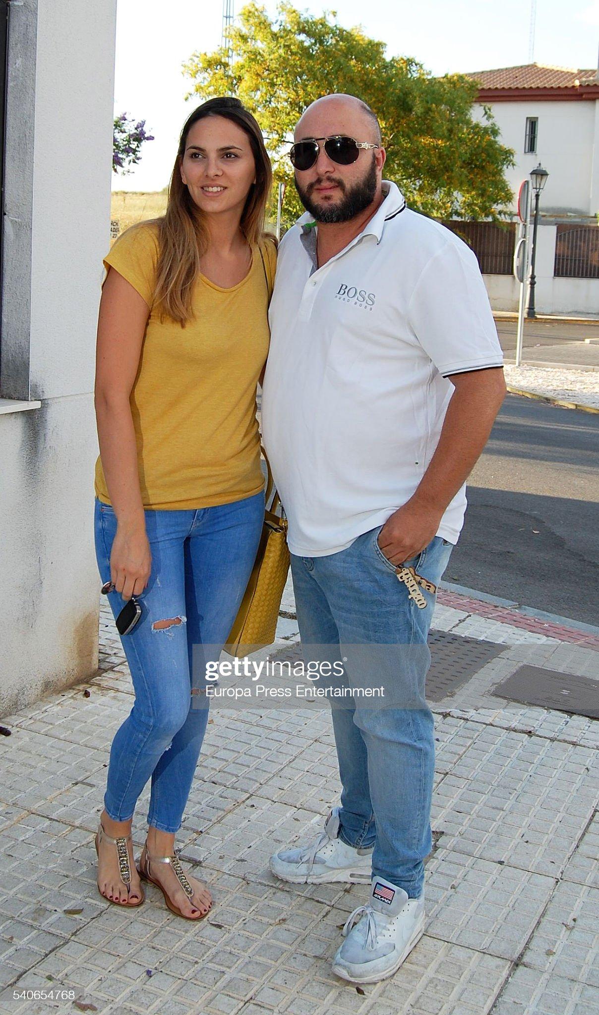 ¿Cuánto mide Irene Rosales? Dj-kiko-rivera-and-his-girlfriend-irene-rosales-pose-the-day-of-irene-picture-id540654768?s=2048x2048